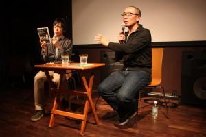 監督の土屋トカチさん(右)と川村遼平さん。(写真/渡部睦美)