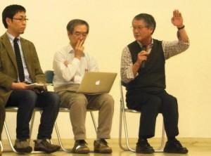 シンポジウムで講演する今中哲二氏(右端)=11月17日。(撮影/粟野仁雄)