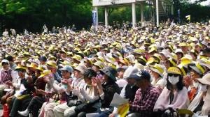 大阪の集会。サンバイザーには「守ろう憲法9条」の文字。(提供/永廣紀美子)