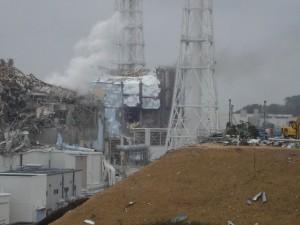 2011年3月15日、福島第一原子力発電所4号機。(提供/東京電力)