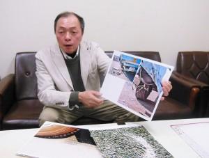 高松高裁で1月29日、県警が提出した現場写真の不審点を説明する片岡晴彦さん。(撮影/粟野仁雄)
