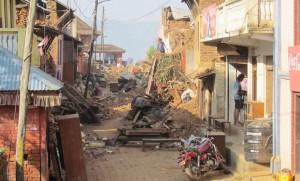 ネパール・ヌワコット王朝付近のコミュニティも被災。(5月20日、撮影/蜂谷翔子)