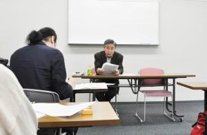 変更案の問題点を指摘する坂庭國晴さん。(2月13日、東京・台東区。撮影/山村清二)