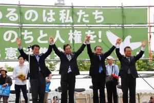 左から岡田克也(民進)、志位和夫(共産)、吉田忠智(社民)、小沢一郎(生活)の各氏。(撮影/林克明)