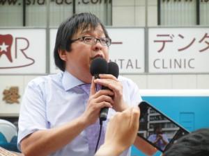 新党を立ち上げると宣言した桜井誠氏。政治活動のツールはSNSだ。(撮影/野中大樹)