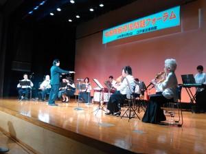 帰国者らによる舞踏劇や歌、中国民族楽器演奏なども披露された。(写真/渡辺妙子)