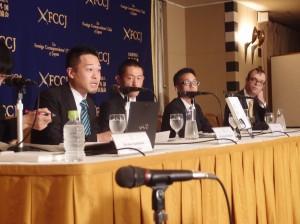 日本外国特派員協会で会見する元創価学会本部の職員たち。(撮影/本誌取材班)